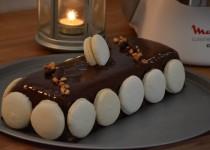 Bûche «La Rencontre» : crème Vanille Bourbon et crème chocolat/fèves Tonka (MaëvaB)