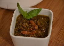 Lentilles mijotées, échalotes, carottes et lardons (MaevaB)
