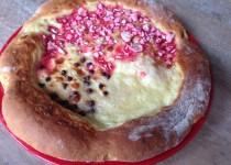Tarte Bressane (pralines, sucre, crème fraîche, pépites de chocolat) – Valvanille