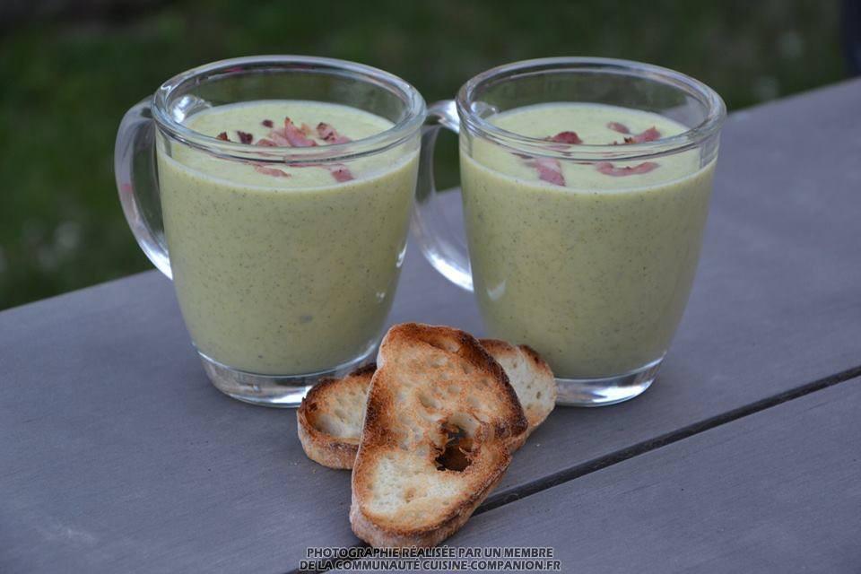 Soupe glacée de courgettes au boursin (MaëvaB) - Recette