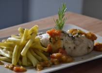 Cuisses de poulet, haricots beurre et sauce tomatée au massalé – cuisson 2 étages (MaëvaB)