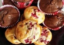 Muffins aux framboises ou cerise ou chocolat (Catoche)